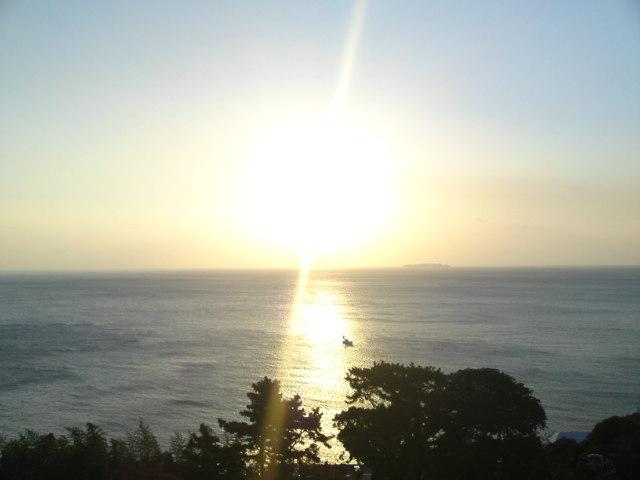 熱海の朝日