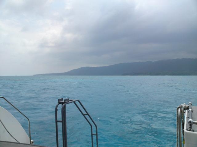 海は荒れている